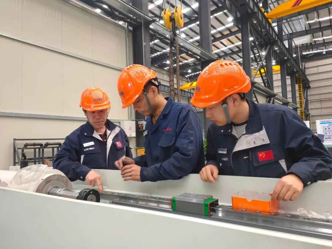 拉床,拉刀,自动化,高端拉床,专用机床,内拉床,外拉床,数控机床,自动化生产线,工业机器人